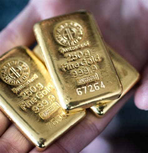 deutsche bank gold deutsche bank refuses customer demands gold withdrawals