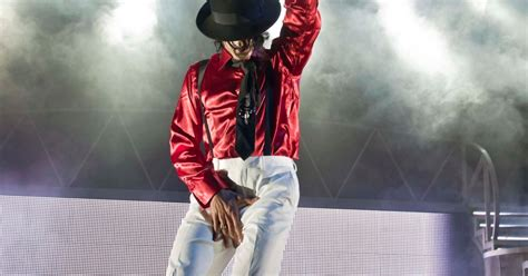 And Paul To Co In Thriller by Review Thriller Live At Grand Theatre Wolverhton