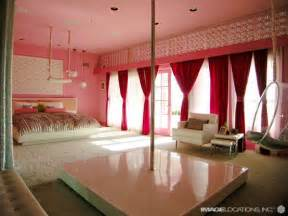 home and furniture gallery the stripper pole inside the sweet suite the ivy hotel s star suite sports a