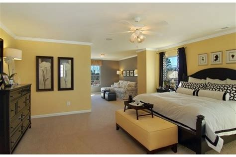 pale yellow bedrooms best 25 pale yellow bedrooms ideas on light