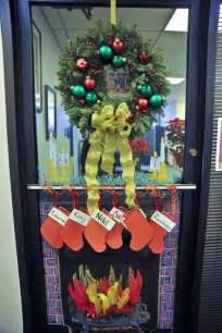 Incredible christmas door decorating ideas christmas celebrations