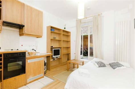 studio flat self contained studio flat with open plan kitchen ensuite