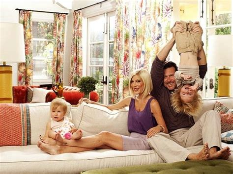 spelling of couch tori spelling s family room makeover