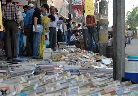 the market books file sunday book market daryaganj delhi jpg wikimedia