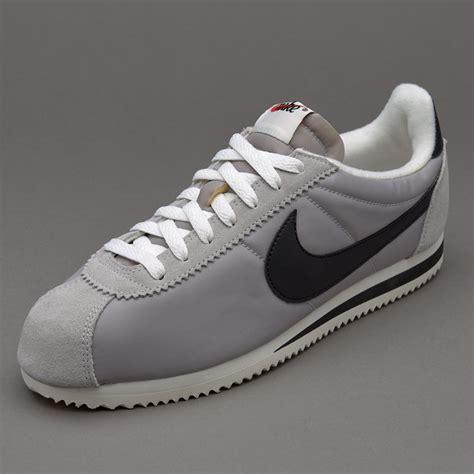 Sepatu Nike Classic Cortez sepatu sneakers nike sportswear classic cortez matte silver