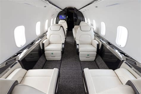 bombardier challenger  private jet charter latitude