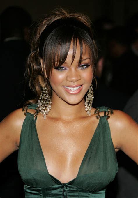 Rihanna Chandelier Rihanna Chandelier Earrings Rihanna Chandelier Earrings Looks Stylebistro