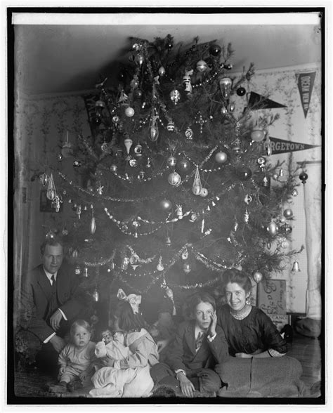 pictures on the griswold family christmas tree cheap