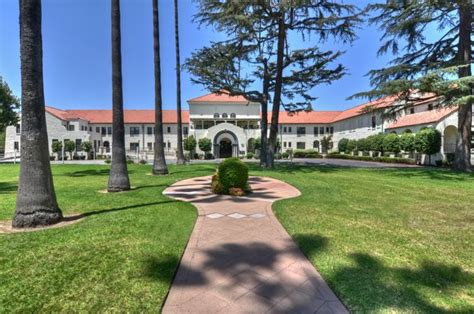 Arcadia Gardens Retirement Hotel by Local Retirement Communities In Southern California