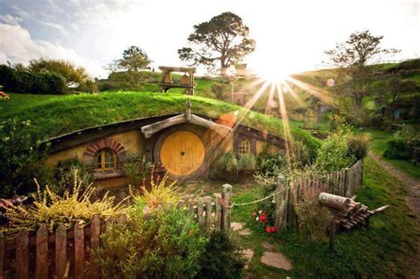 real hobbit house a very real hobbit house hobbit houses pinterest