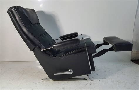 black lazy boy recliner classic modernist lazy boy quot recliner stunning black and