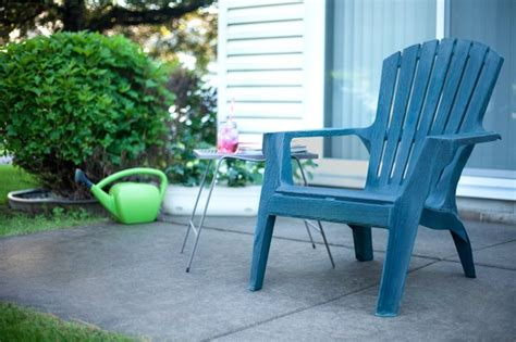 Cleaning Plastic Chairs Outside - how to clean chalky plastic lawn chairs hunker
