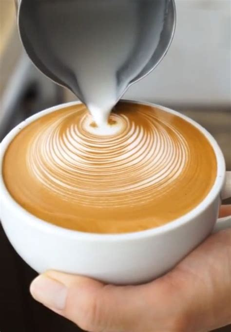 how to make designs on coffee 25 best ideas about latte on pinterest latte recipe