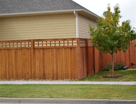 Open Trellis Fencing Privacy Fence With Open Lattice Top