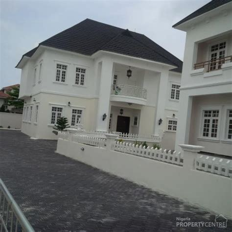 5 bedroom houses for sale with swimming pool 5 bedroom white house mansion with swimming pool at the