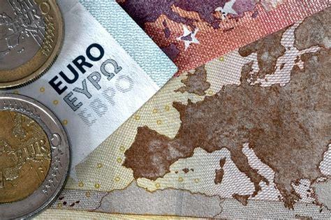 banche castelfranco veneto veneto banca azionista rapina filiale che si rifiuta di