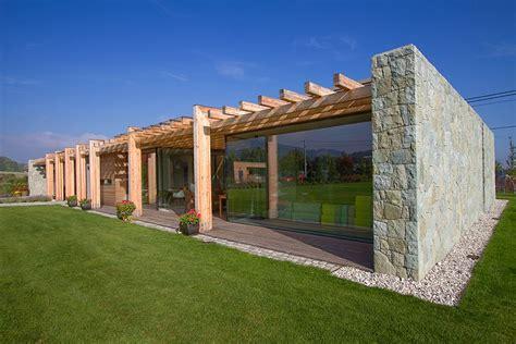 toin stone and wood house plans egyszintes vil 225 gos modern h 225 z kő fa 233 s 252 veg elemek