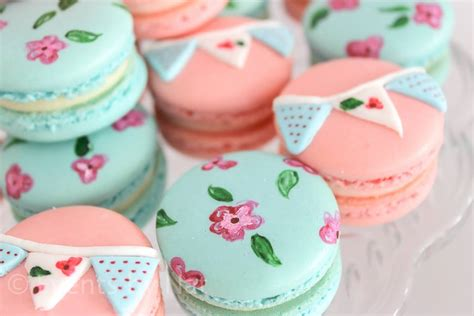 Macaron Baby Shower Favor by The Technology To Decorate Macaron Fast Easily