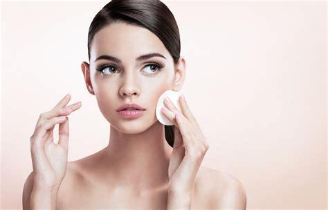DIY Makeup Remover Pads   DailyBeautyHack.com