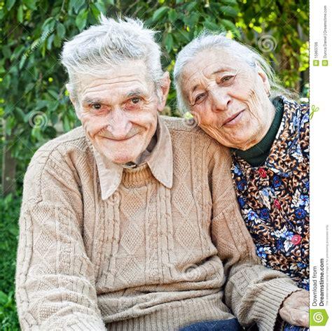 Imagenes De Viejitos Alegres | viejos pares mayores felices y alegres imagen de archivo