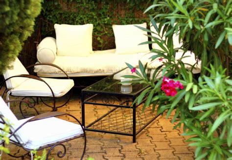 mediterrane gärten gestalten mediterraner garten s 252 dl 228 ndisches flair mit obi