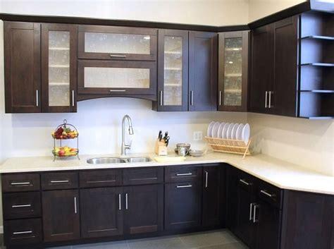 Ordinario Cappe Ad Angolo Per Cucina #4: Cucine-ad-angolo-moderne-mobili-neri-top-bianco.jpg