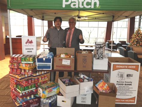 Food Pantry Racine Wi by Shorewest S Racine Office Donates More Than 700 Pounds Of