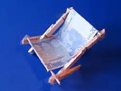 geldscheine falten stuhl om te onthouden geld knutsels