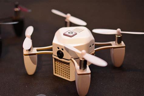 Drone Zano Palm Sized Zano Drone Zips Into Ces 2015 Page 4 Cnet