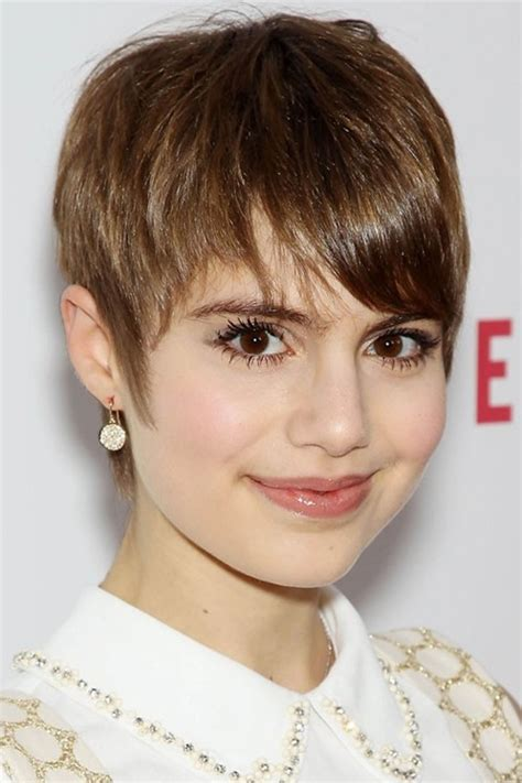 pictures of pixiehaircuts with bangs chic short pixie cut with bangs for young ladies pretty
