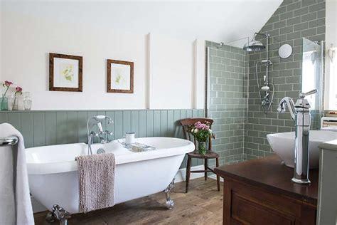 ways  create  stunning victorian bathroom  tiles