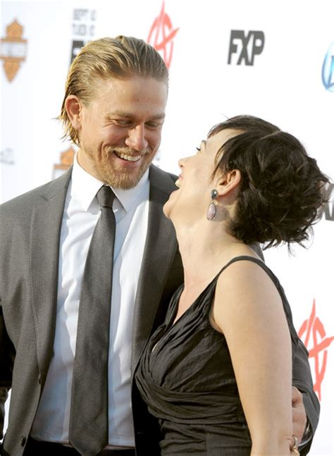 charlie hunnam and maggie siff relationship young americans charlie hunnam ryder forrest 10 so