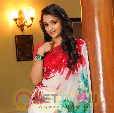 tamil actress trisha bathroom pictures images tamil actress trisha high quality photos stills 3