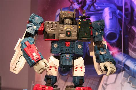 Hasbro Transformer transformers moana images from fair 2016 collider