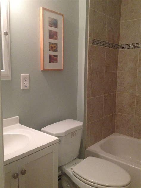 bathrooms dunn edwards cold water bathroom light blue benjamin moore quiet moments color schemes pinterest
