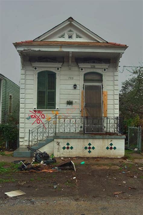 photo 488 17 typical shotgun houses near royal st in