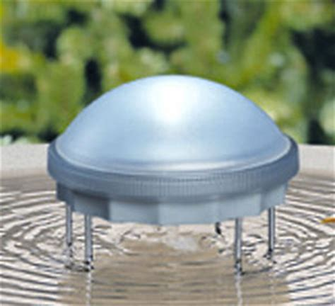 solar powered water wiggler for bird bath keeps water