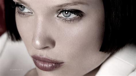 melanie thierry yeux melanie thierry gray eyes dark hair actress france