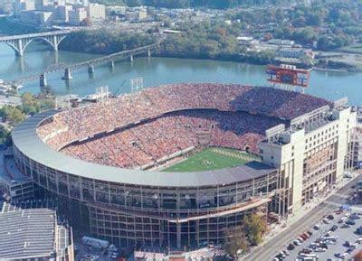 neyland stadium student section world s largest stadiums nice n funny