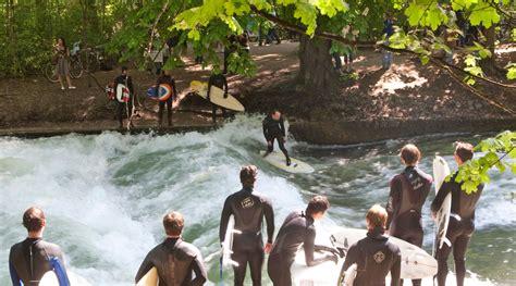 Englischer Garten München Eisbach Surfen by Der M 252 Nchner Eisbach Alles 252 Ber Das Wellenwunder In