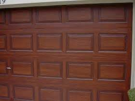 paint colors that look like wood awesome tutorial on exactly how to paint a garage door to
