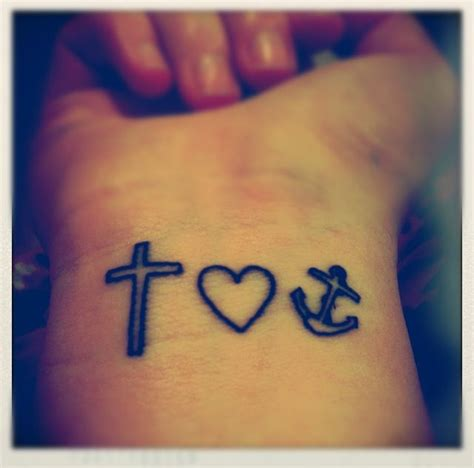 Cruz, Corazón y Ancla   Tatuajes para