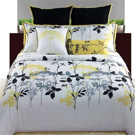 yellow and white bedding set