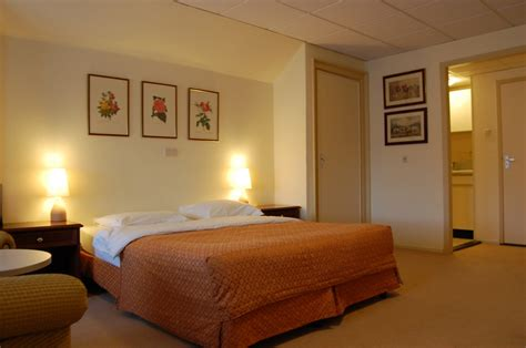 what are rooms luxurious room crown inn hotel eindhoven