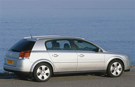 vauxhall signum hatchback review 2003 2008 parkers