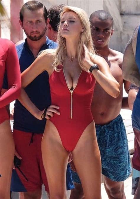 celebrity fashion mishaps photos 45 embarrassing celebrity fashion mishaps barnorama