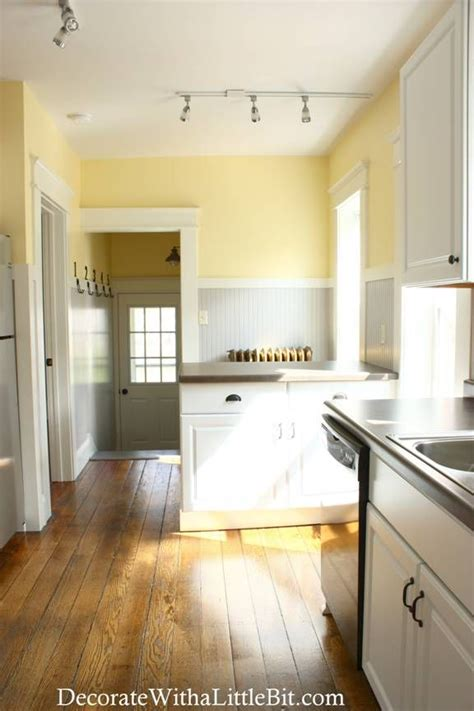 25 best ideas about light yellow walls on yellow kitchen walls pale yellow walls