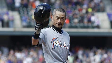 Ichiro Suzuki 3000 Hits Ichiro Donates 3 000 Hit Souvenirs To Of Fame