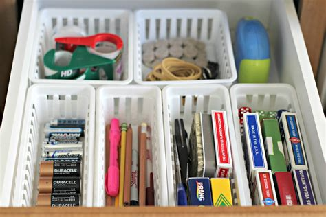 How To Organize Junk Drawer 31 days of 15 minute organizing day 9 junk drawer