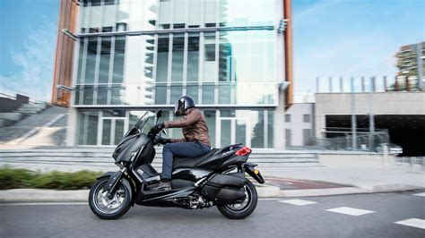 xmax  iron max  scooters yamaha motor